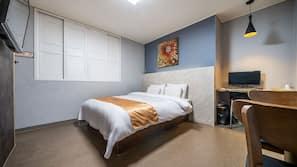 책상, 무료 WiFi, 침대 시트