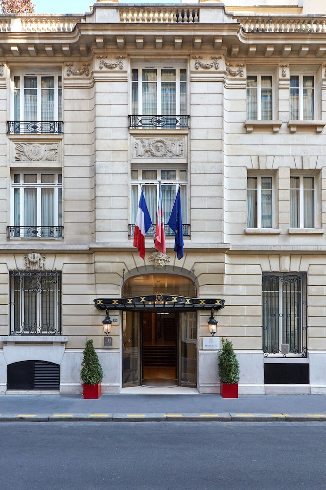 Majestic Apartments Champs Elysees Paris France