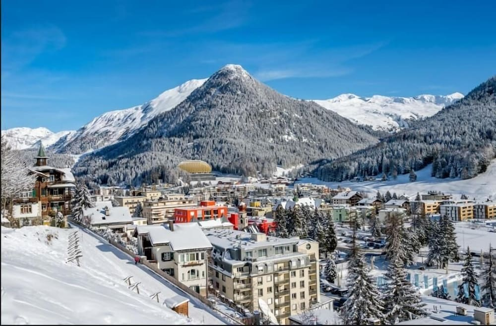 Mountain View, Hotel Derby Davos