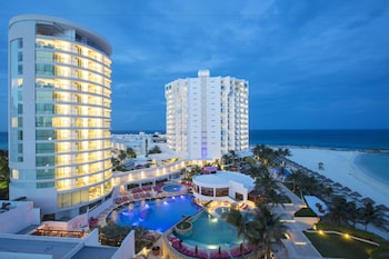 Altitude By Krystal Grand Punta Cancun - All Inclusive