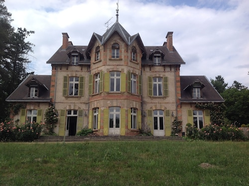 Chateau IN Bocage Bourbonnais