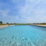 Beautiful, Spacious House With Pool, spa Between Camargue and Alpilles 6 Pers Park