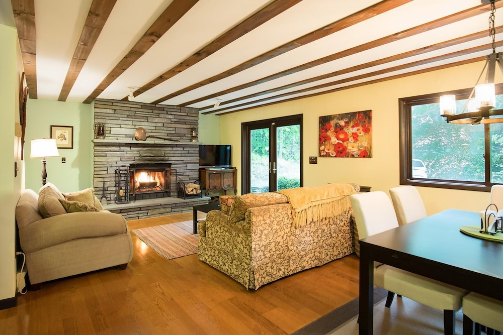 Featured Image Living Room