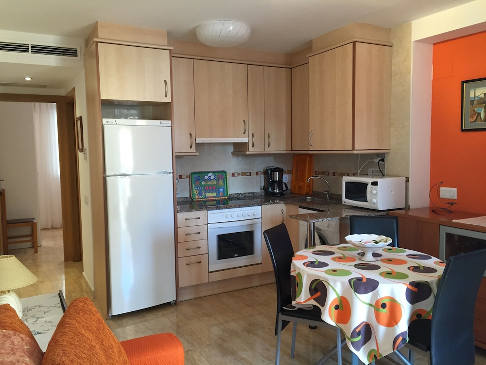 apartment 2/4 people 100 meters from the beach, mont-roig del camp