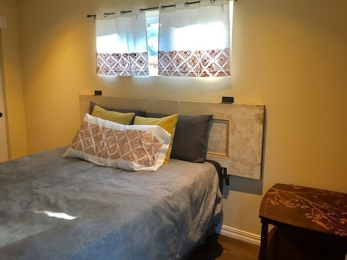 Great Place to stay A Secluded Home Just Outside Of San Francisco And Close To Airport & Bart near Daly City