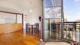 Stylish Inner City Apartment - West Perth Hotels