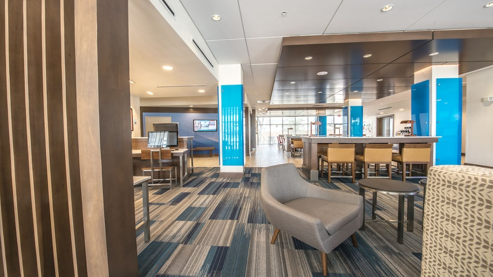 Lobby, Holiday Inn Express & Suites-Dripping Springs - Austin Area, an IHG Hotel