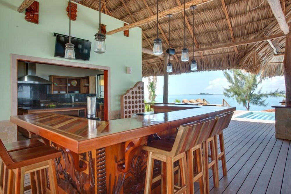 In-Room Dining, Little Harvest Caye- Private Island