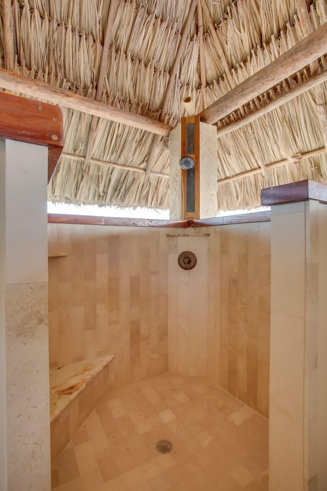 Bathroom Shower, Little Harvest Caye- Private Island