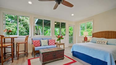 Remodeled 2018! Cozy, Private & Beautiful Studio in Hilo Beach Neighborhood