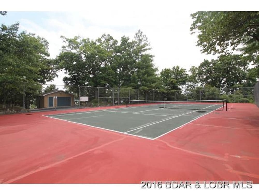 Sport Court, Amazing Views and Great Location. Oversize Slip 3br/3ba With new Furnishings