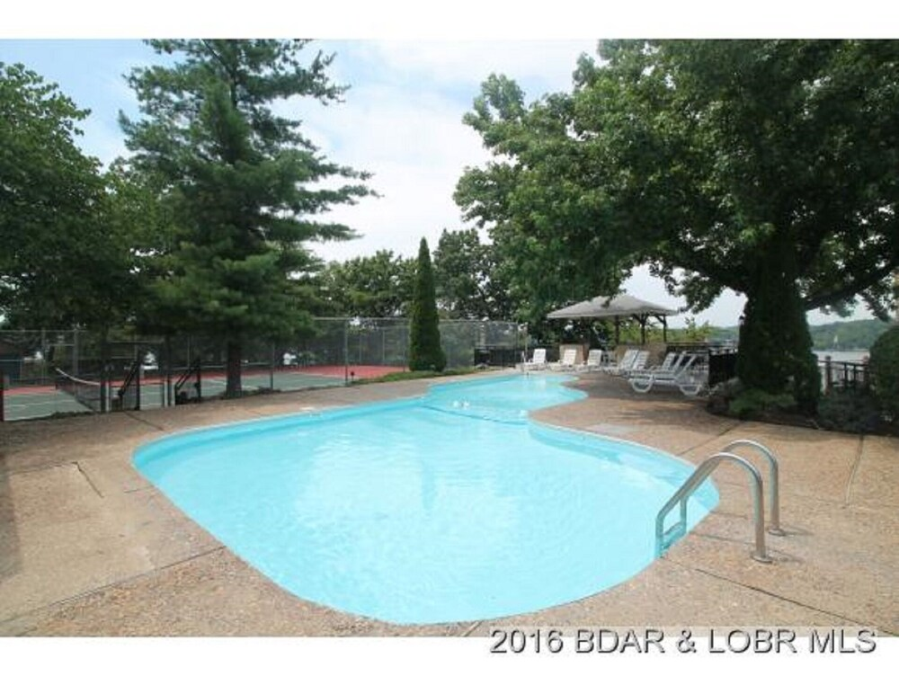 Pool, Amazing Views and Great Location. Oversize Slip 3br/3ba With new Furnishings