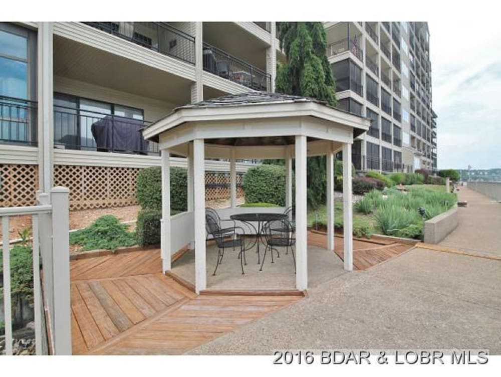 , Amazing Views and Great Location. Oversize Slip 3br/3ba With new Furnishings