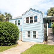 Charming, Dog-friendly Beach House Condo