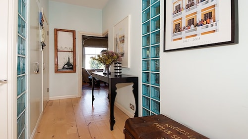 Charming Notting Hill 2BR With Magical Garden - Perfect for 2 Couples or Family
