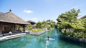 3 outdoor pools, free pool cabanas