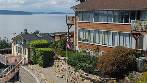 Private, Secluded, Spectacular View, 15 Minutes to Downtown Seatttle