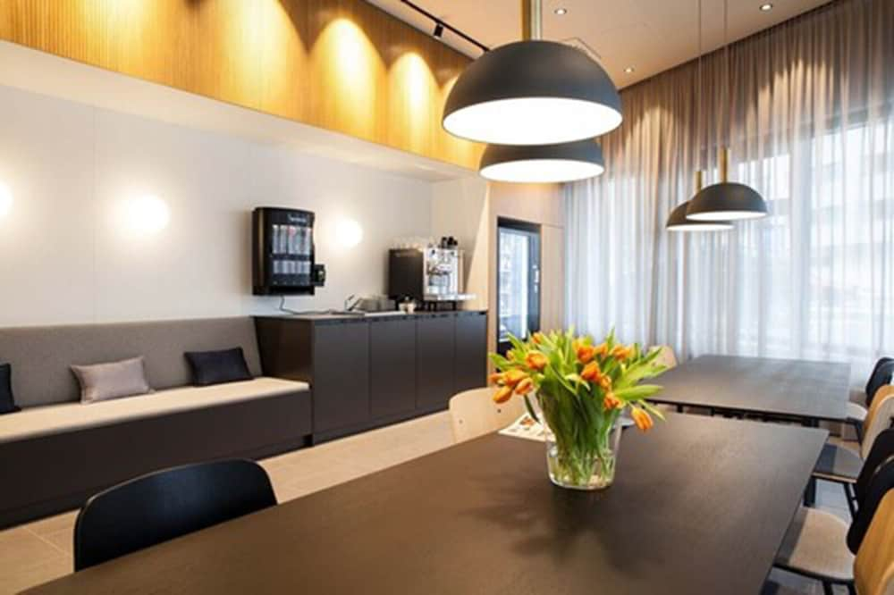 Lobby Lounge, SMARTments business Wien Hauptbahnhof