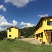 Hilltop Villa Hideaway With Pool Sleeps 6 - Between Bologna and Florence