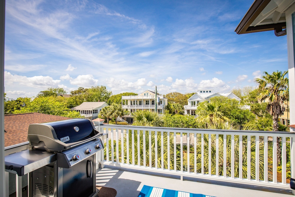 BBQ/Picnic Area, Luxury, Elevated Pool, Ocean Views, 7 Bdrm, Elevator