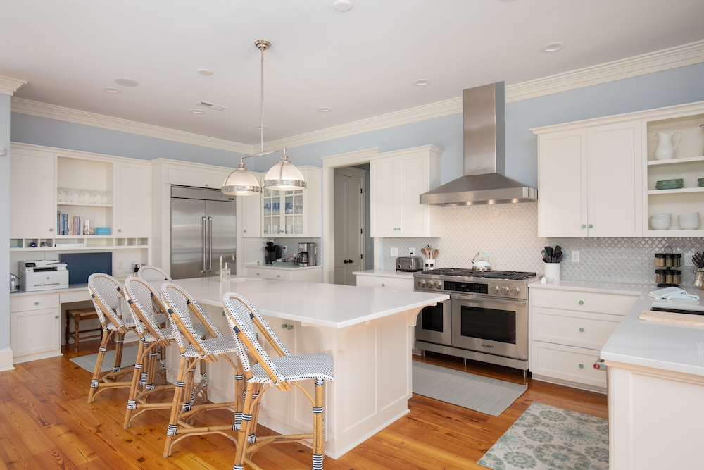 Private Kitchen, Luxury, Elevated Pool, Ocean Views, 7 Bdrm, Elevator