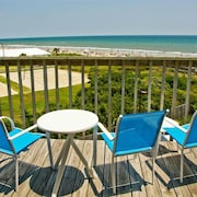 1 Bed/1 Bath ~ Top Floor Oceanfront Prime Condo ~ Elevator ~ 1302 Queens Court