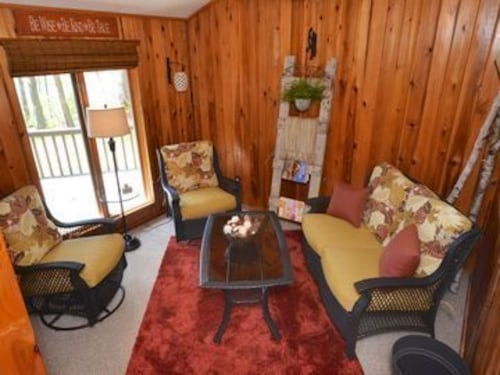 Village Top Floor Lincoln House - Great 2 Bedroom With View of Mammoth Mountain