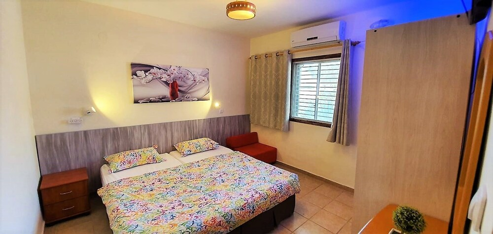 Room, Aloni Neve Zohar Dead Sea