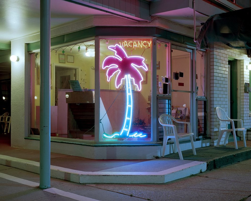 Front of Property - Evening/Night, Lu Fran Motel