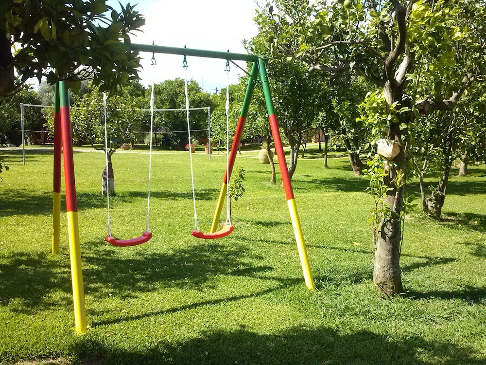 Children's Area, Aigion: country holiday home - Aigio