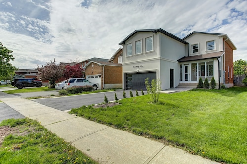 QuickStay - Beautiful 5bdrm House in Vaughan