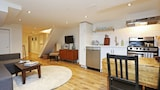 Applewood Suites - Danforth Basement - Toronto Hotels