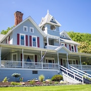 Hudson Manor Bed and Breakfast