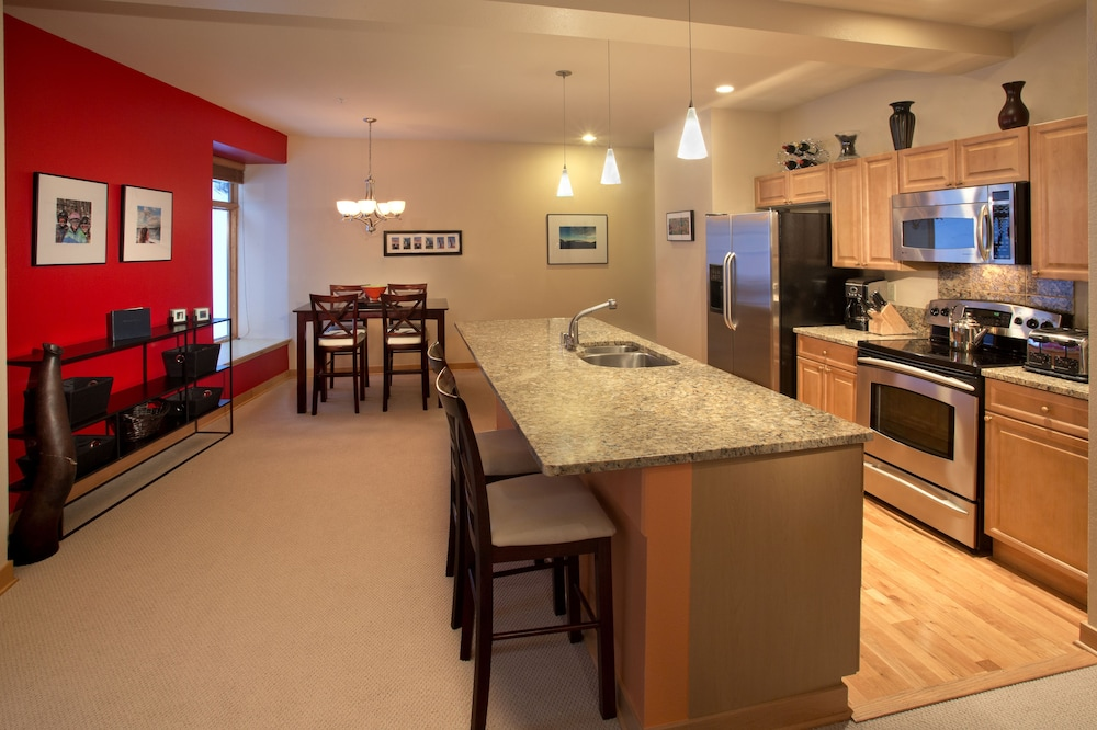 Private Kitchen, The Edelweiss Lodge and Spa