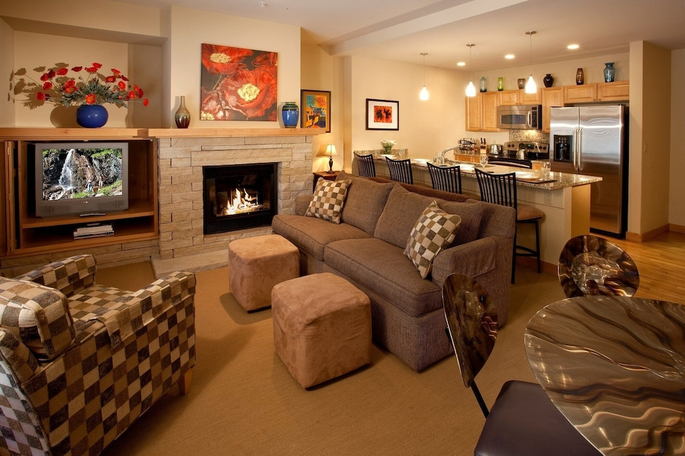 Living Area, The Edelweiss Lodge and Spa