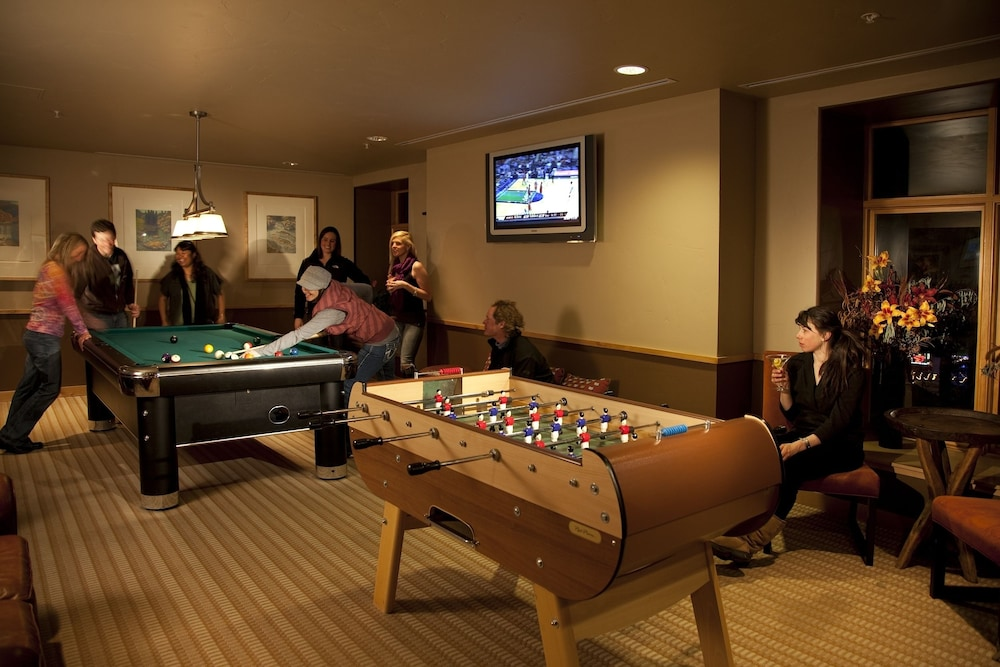 Billiards, The Edelweiss Lodge and Spa