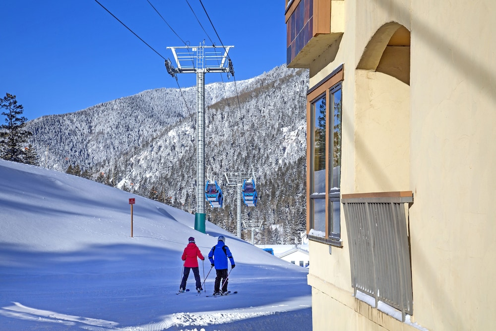 Snow and Ski Sports, The Edelweiss Lodge and Spa
