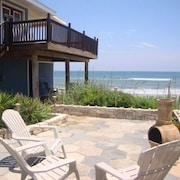 *** Nightly Special *** 11/28-12/3*** Beautiful Beach Paradise***