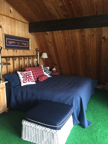 Room, The Barn at The Lake; Waterfront Home Within Chelans Golden Mile!