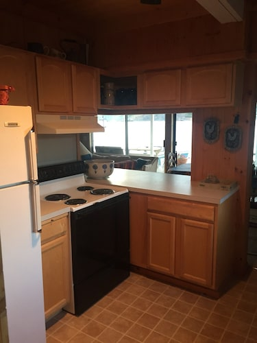 Private Kitchen, The Barn at The Lake; Waterfront Home Within Chelans Golden Mile!
