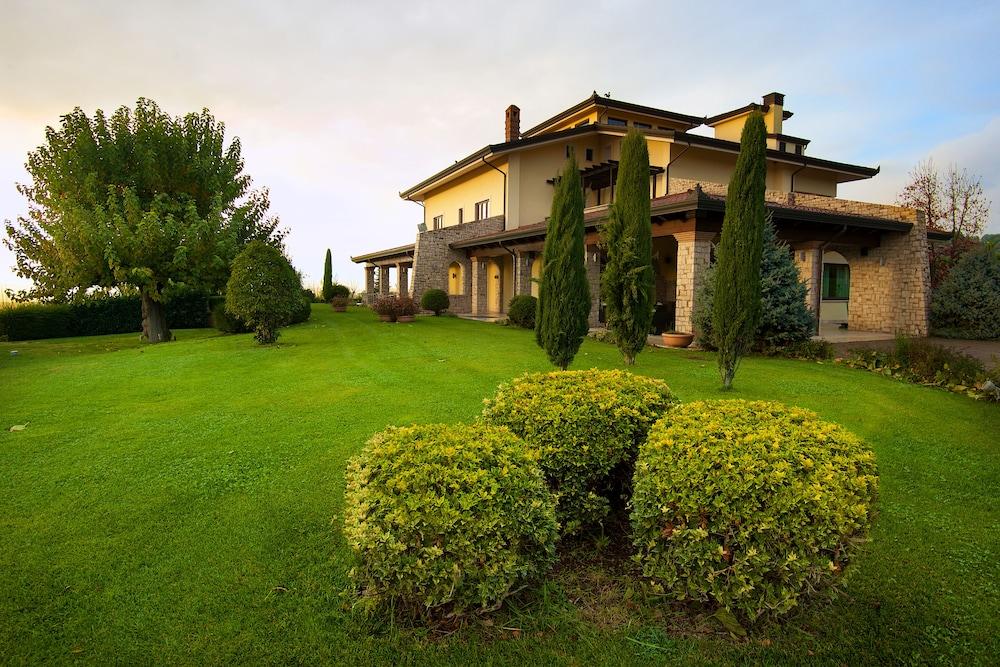 Radici Resort: 2018 Room Prices $151, Deals & Reviews | Expedia
