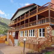 The Green Mountain Falls Lodge