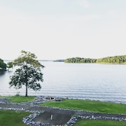 KY Lake Waterfront Condo - Stunning View - *recently Renovated* - Pool - Beach