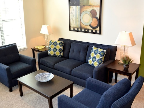 Check Expedia for Availability of Beautiful 3 Bedroom Apt. Near MDA & Hermann Park w/ Shuttle to TMC