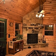 Real Log Cabin In Ouachita Mountains Of Mena Arkansas 1 7 Miles To Wolf Pen