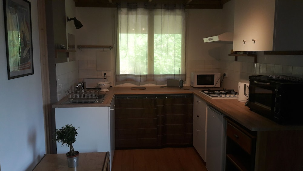 Private Kitchen, Gite au Figuier - Studio Duplex 2/4 People