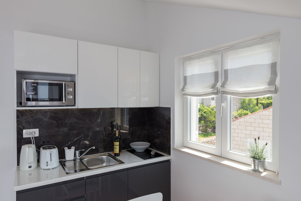 Private Kitchenette, Amorino of Dubrovnik Apartments