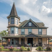 Dennison Street Inn Bed & Breakfast