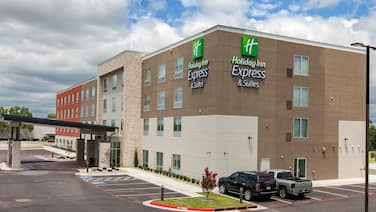 Holiday Inn Express & Suites Tulsa South - Woodland Hills, an IHG Hotel