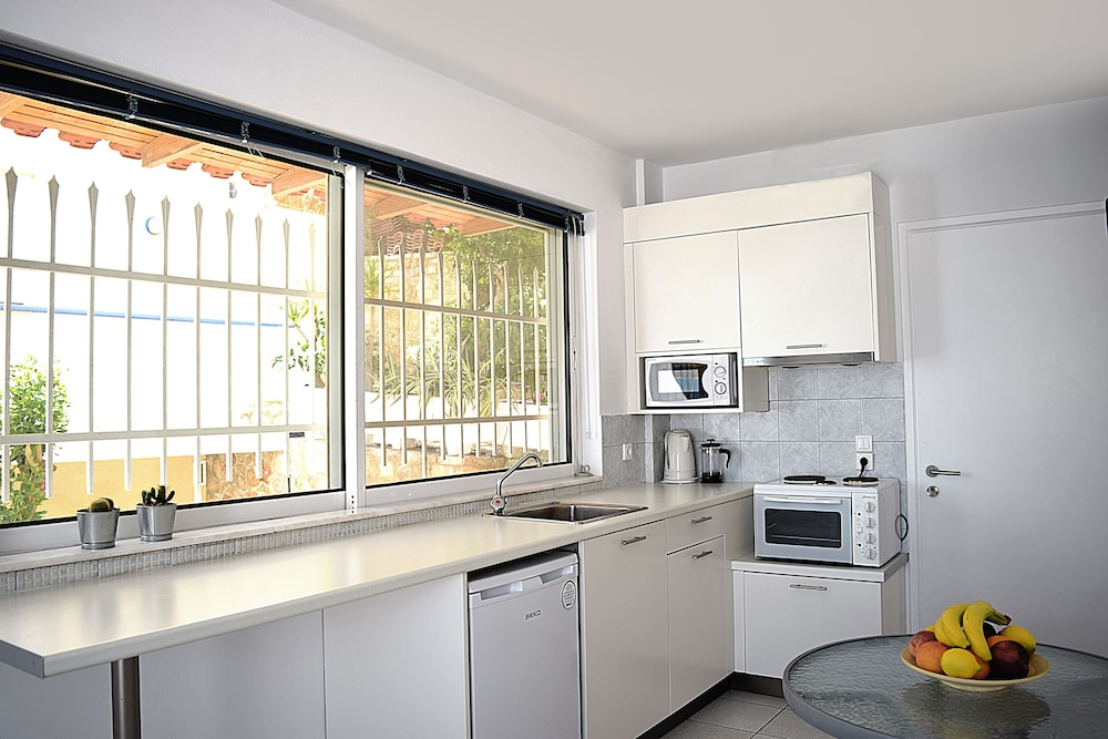 Private Kitchenette, Meli Apartments & Villas